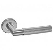 Knurled Stainless Steel Door Handles on Rose B1910S