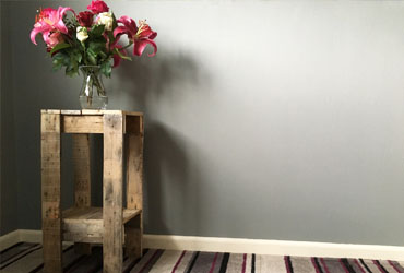 How to Build a Side Table from Pallet Wood