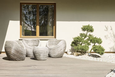 How to Clean Wooden Garden Furniture