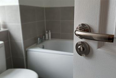 Tips on Replacing a Bathroom Door Lock
